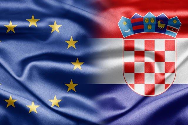 [url=http://www.shutterstock.com/pic-106006199/stock-photo-european-union-and-croatia.html?src=b7-QISQV5kH03fUYZ9V_tA-1-2]Chorwacja została 28. członkiem Unii Europejskiej[/url]