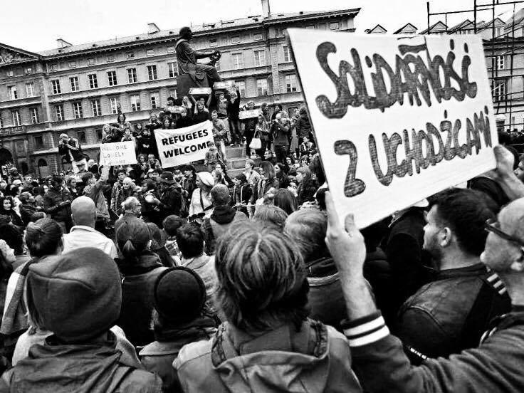 Jedna z manifestacji w Warszawie, opowiadających się za przyjęciem do Polski uchodźców z Syrii
