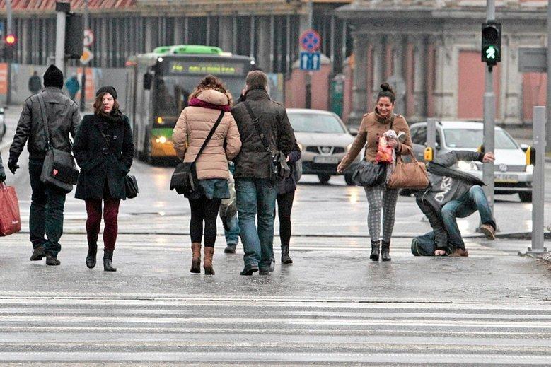 Ostrzegamy: w najbliższym czasie na drogach i chodnikach będzie naprawdę ślisko.