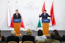 Niezwykłe zdjęcie Andrzeja Dudy i Jánosa Ádera wykonane podczas wizyty polskiego prezydenta na Węgrzech. Autorem zdjęcia jest prezydencki fotograf Jakub Szymczuk.