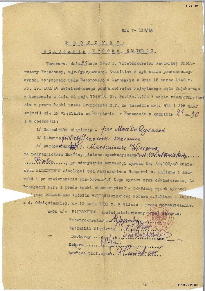 Protokół wykonania wyroku śmierci na rotmistrzu Pileckim. Widoczny podpis st. sierż. Śmietańskiego.