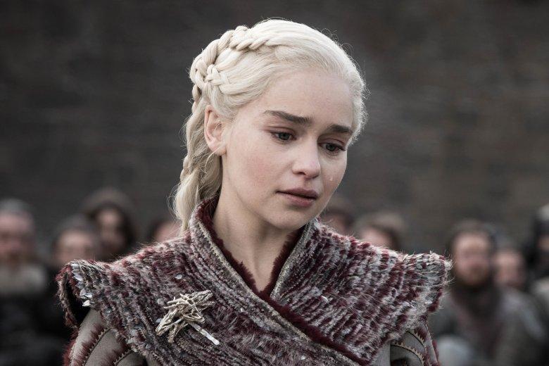 """Emilia Clarke wcieliła się w jedną z głównych postaci """"Gry o tron"""" - Daenerys Targaryen"""