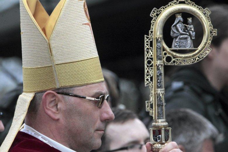 Prymas Polski Wojciech Polak jest coraz uważniej słuchany nie tylko przez wiernych