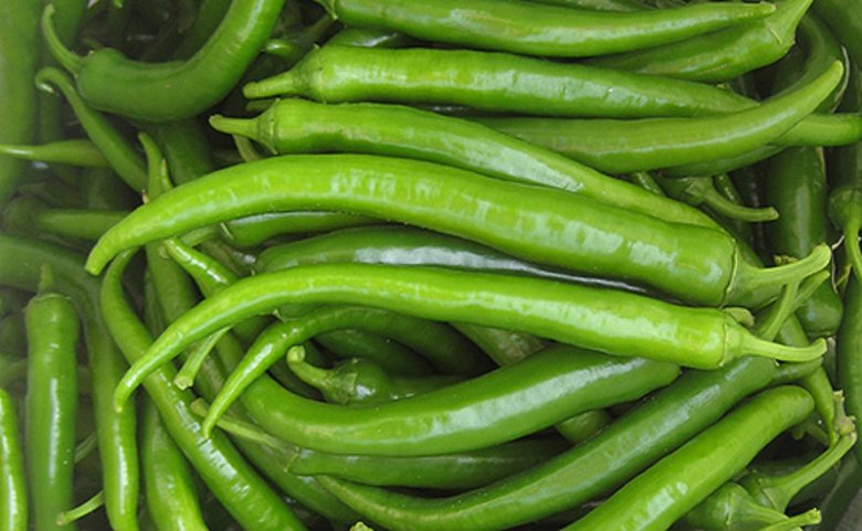 Początkowo wszystkie papryki są zielone - kolor zależy od tego, jak długo dojrzewają