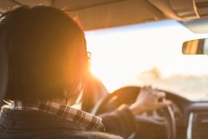 Kierowca zawsze powinien czytać ulotki leków, które przyjmuje. Nie po wszystkich można prowadzić.