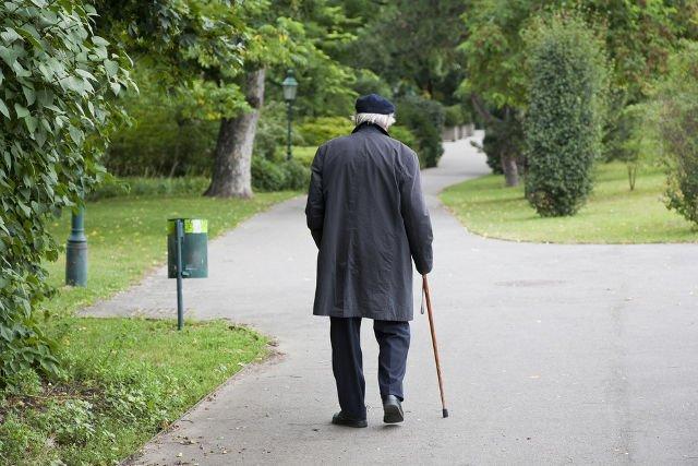 Choroba Alzheimera atakuje najczęściej osoby po 65. roku życia.