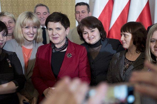 Premier Beata Szydło spotkała się w Domu Polonii w Pułtusku z repatriantami z Kazachstanu. Może wesprze tych w Poznaniu?