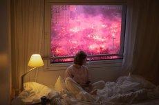 To zdjęcie na Facebooku to już symbol 11 listopada w Warszawie