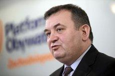 Prokuratura stawia Stanisławowi Gawłowskiemu pięć zarzutów, w tym trzy o charakterze korupcyjnym. Poseł PO twierdzi,że jest niewinny, zrzekł się już immunitetu