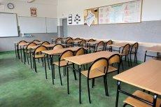 Afera w gminie Piekoszów. Pracownikom szkoły obcięto etaty.