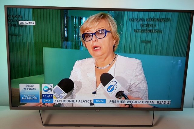 Jaki napis ma na szyi Małgorzata Gersdorf?