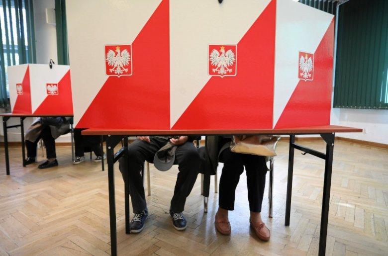 Niektórzy o wynikach wyborów dowiedzieli się dopiero kilka dni. Są tacy, którzy nie znają nazw partii.