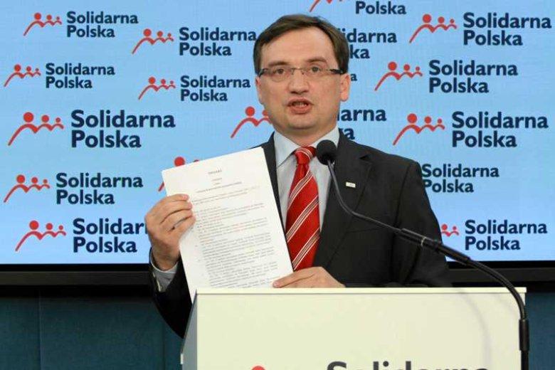 Zbigniew Ziobro, lider Solidarnej Polski, na konferencji prasowej