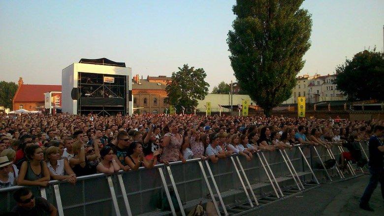 Męskie Granie 2014 Poznań, publiczność na koncercie Brodki.