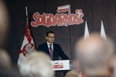 Pod Salą BHP w Gdańsku starli się zwolennicy i przeciwnicy premiera Mateusza Morawieckiego.