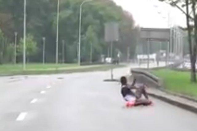 Na trasie 39. Maratonu Warszawskiego zasłabła afrykańska biegaczka.