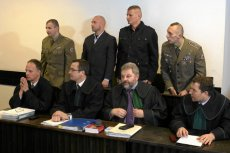Oskarżeni, którzy nie przyznali się do winy, wyrazili zgodę na publikację swoich nazwisk i wizerunków