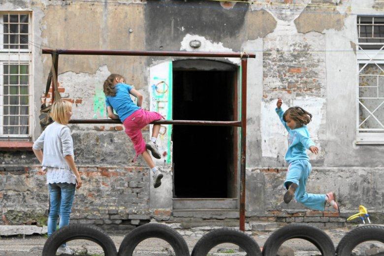 – Dzieciom trzeba ufać, a zaufanie zdobywa się próbując – uważa psycholog Iza Wojciechowska