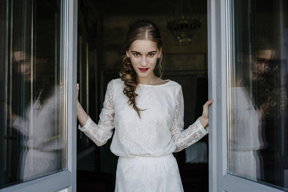 Polska marka boso szyje na wygodne, skromne sukienki ślubne