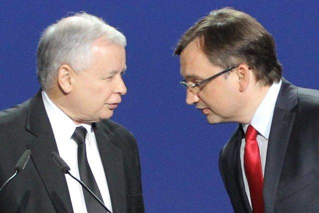 Jarosław Kaczyński miał być wściekły na pomysł Zbigniewa Ziobry. Chodzi o pozywanie profesorów UJ.