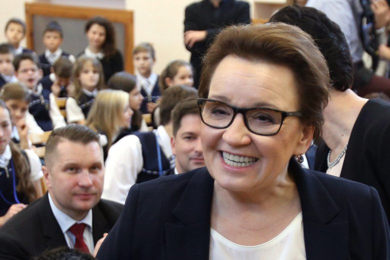 """Minister Anna Zalewska ma """"sojuszników"""" po drugiej stronie barykady."""
