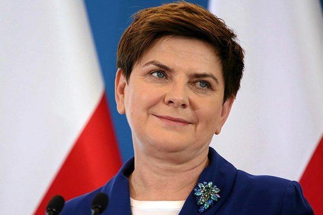 Beata Szydło musiała zmierzyć się z pytaniami po angielsku w czasie konferencji prasowej.