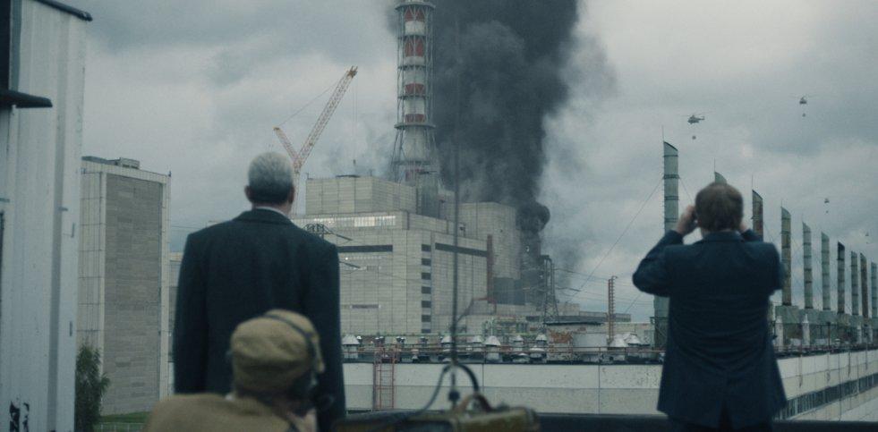 """W miniserialu """"Czarnobyl"""" pokazano nie tylko sam moment awarii, ale i wydarzenia dziejące się niej. I jedno i drugie przeraża i frustruje"""