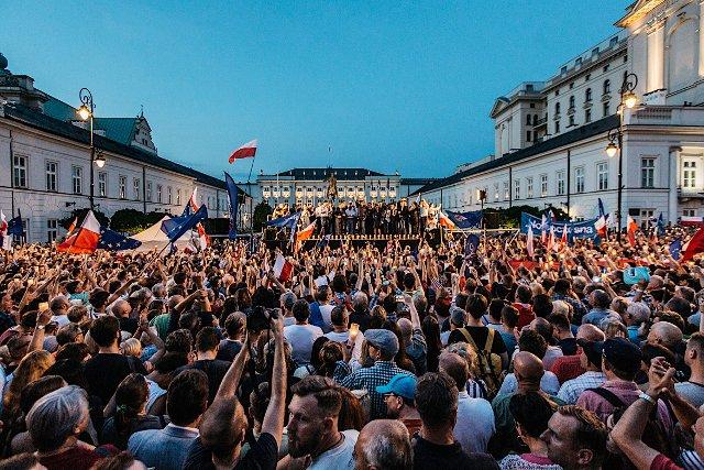 Zdaniem prof. Krzemińskiego, nie należy w 2018 roku nie należy liczyć na zbyt wiele ze strony opozycji. Pojawić mogą się jednak nowe twarze z ruchów obywatelskich, które zaczęły niedawno działać.