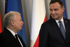 Jarosław Kaczyński i Andrzej Duda znaleźli się w sondażu CBOS na dwóch przeciwległych biegunach.