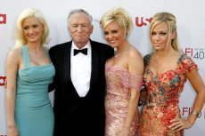 Holly, Hugh, Bridget i Kendra. Te kobiety są byłymi króliczkami.