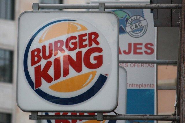 Burger King zachęca swoich klientów do odwiedzania barów McDonald's