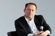 Kamil Durczok przyznał się do zarzutu sfałszowania podpisu byłej żony na wekslu zabezpieczającym wysoki kredyt.