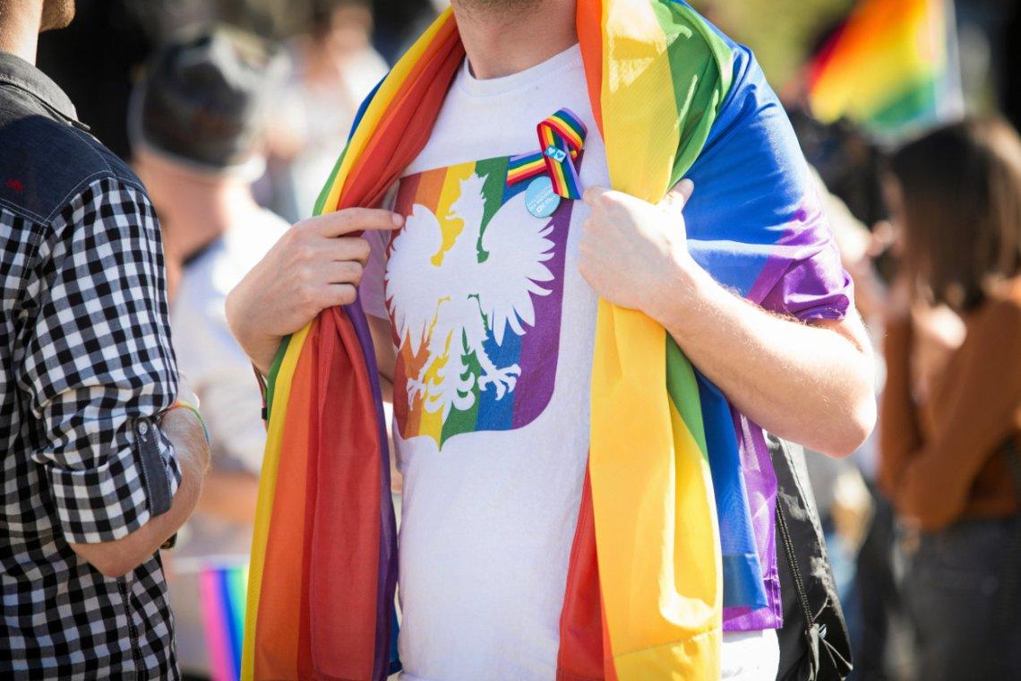 """PiS bardzo łatwo wpadł w pułapkę """"lewackich parytetów"""" i deklaracji LGBT+."""