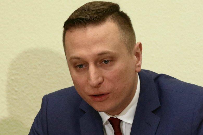 Podpalono kamienicę, w której mieszka poseł PO Krzysztof Brejza wraz z rodziną.