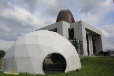 Państwo hojnie dotuje nie tylko Świątynię Opatrzności Bożej, ale też Instytut Papieża Jana Pawła II