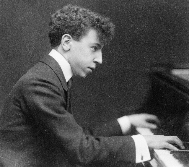 Artur Rubinstein, zdjęcie z 1906 roku (z archiwum Biblioteki Kongresu USA)