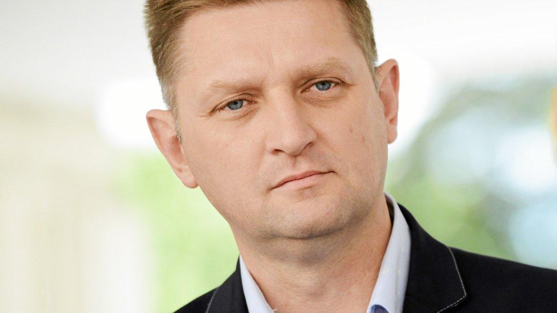 W rozmowie z naTemat Andrzej Rozenek z SLD ujawnia, że przez jedną z ustaw wprowadzonych przez PiS życie straciło już co najmniej 26 osób.