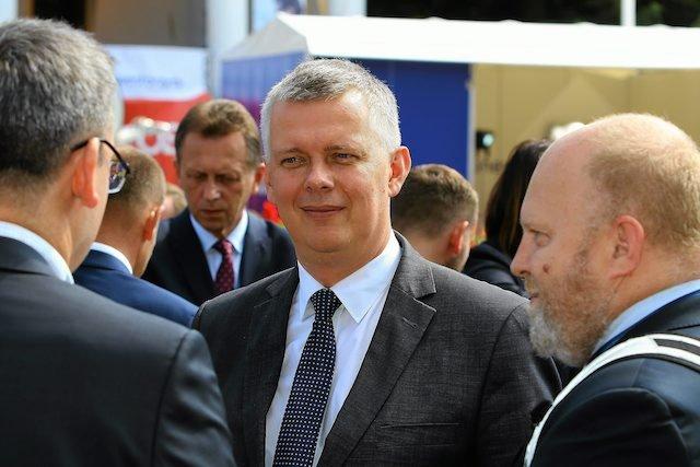 Tomasz Siemoniak komentuje zerwanie kontraktu na Caracale.