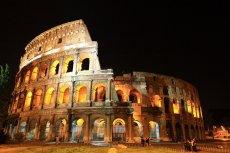 W Koloseum nie zabrakło polskiego akcentu,  w Wielki Piątek krzyż ponieśli Róża Mika i Jakub Śnieć.