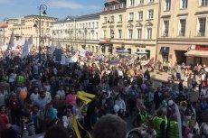 Ulicami Warszawy przeszedł Marsz Świętości Życia.