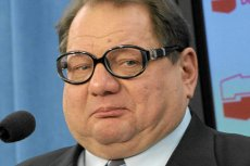 Ryszard Kalisz przyznaje się do błędu w sprawie oskarżeń o korupcję, które w rozmowie z Aleksandrem Kwaśniewskim wysuwał przeciw szefowi MON Tomaszowi Siemoniakowi.