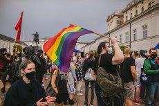 W Warszawie odbył się kolejny protest w obronie osób LGBT.