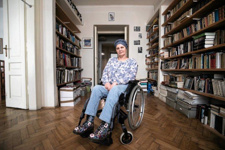 Janina Ochojska, szefowa PAH, debiutuje w polityce - za nią pierwsze dni w europarlamencie.