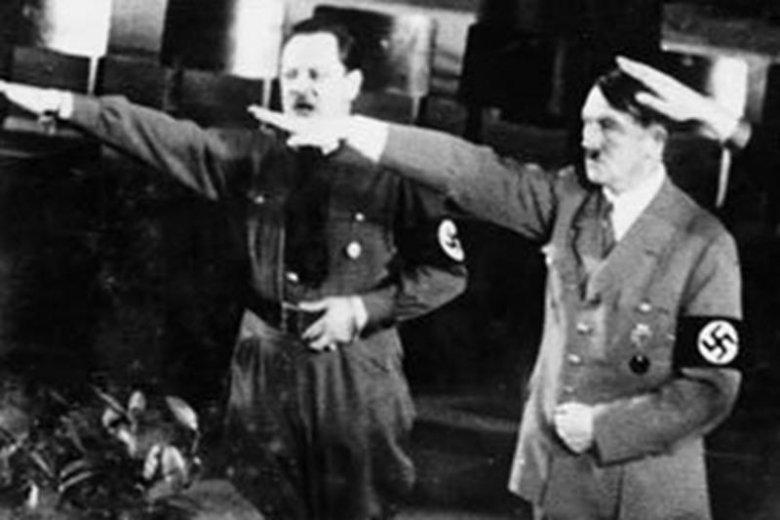 Erich Koch i Adolf Hitler podczas wiecu partii nazistowskiej w Królewcu, 1936 rok.
