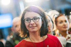 """Według """"Faktu"""" Kamila Gasiuk-Pihowicz miała rozważać transfer z Nowoczesnej do Platformy Obywatelskiej. Posłanka zaprzecza tym rewelacjom."""
