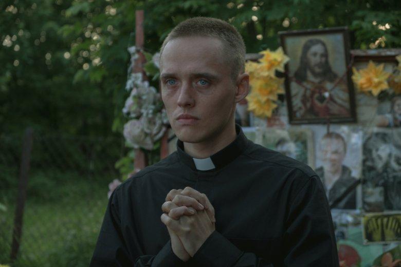 """""""Boże Ciało"""" zostało zainspirowane historiami fałszywych księży. Jedna z nich została szczególnie zarysowana w filmie"""