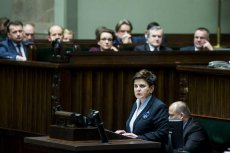 Beata Szydło zapomniała, jak sama głosowała.