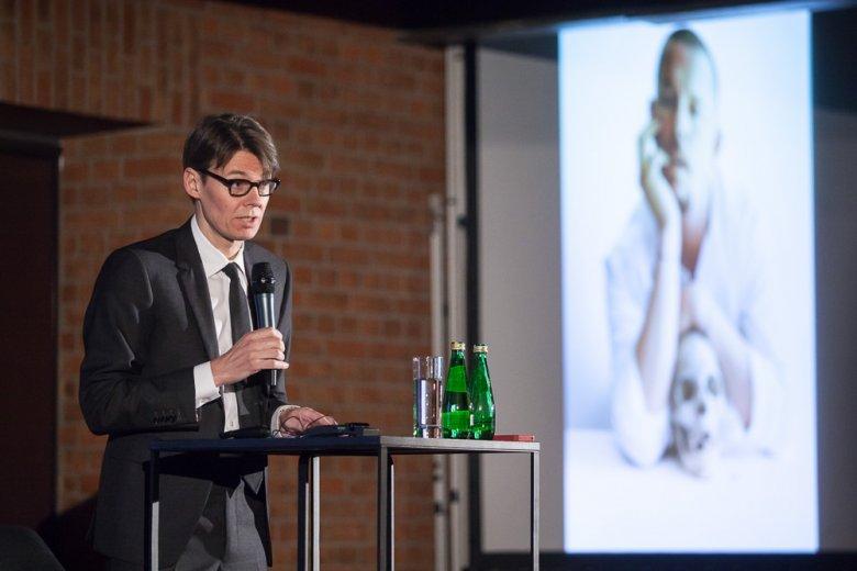 Andrew Bolton podczas wykładu w ramach Art & Fashion Open University w Słodowni Starego Browaru