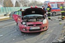 W tych miejsca w Warszawie jazda może zakończyć się kolizją lub wypadkiem. To tu kierowcy często po prostu głupieją.