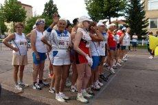 Jeszcze trzy lata temu za [url=http://shutr.bz/1bR1pBz] biegnącąemerytką [/url] ludzie się odwracali i pytali, czy coś się stało. Dziś wygrywa kolejne zawody. (zdjęcie ilustracyjne)
